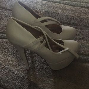 Shoes - Off white platform heels with double strap buckle